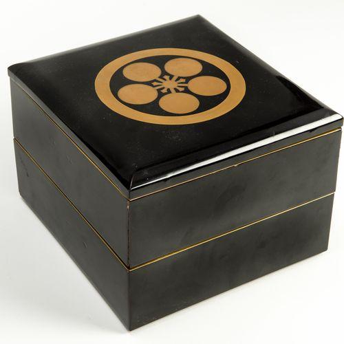 A LARGE LACQUERED JUBAKO (PICNIC BOX) WITH MAEDA MON CREST, MEIJI/TAISHO PERIOD …