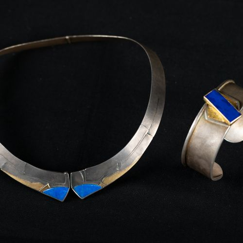 Bangle et collier en argent et or avec lapis lazuli, bangle 28g, collier 40g. Ba…