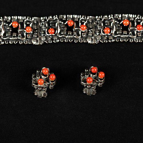 Lot d'Argent avec coraux, 835/1000, signe de maître ; un bracelet, une paire de …
