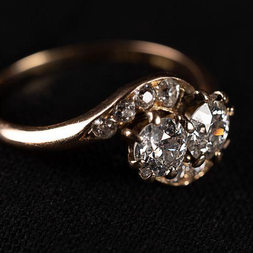 Bague en or 585 avec 2 gros diamants et 8 plus petits, total 1,2 carat