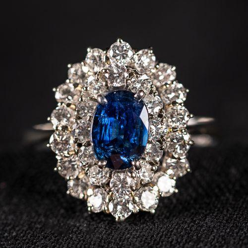 Bague en or blanc avec saphir et diamants de 2 carats ,