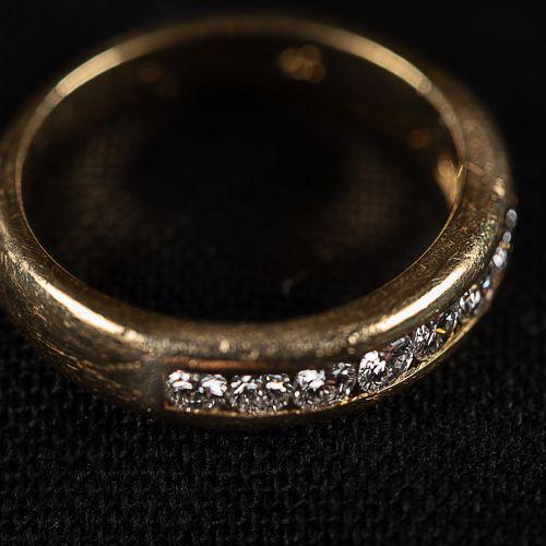 Bague en or 750 avec 9 diamants de 0,4 carat,