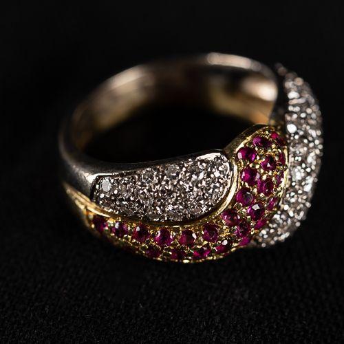 Bague en or 750, avec diamants de 0,7 carat et rubis..,
