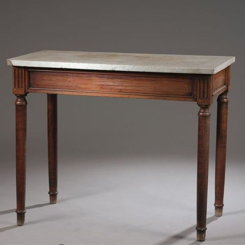 Console, late Louis XVI period In natural wood, moulded and carved, the high squ…