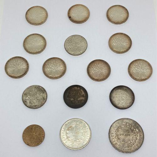 Lot de pièces en argent :   13 de100 frs   1 de 50 frs   1 de 10 frs  On y joint…