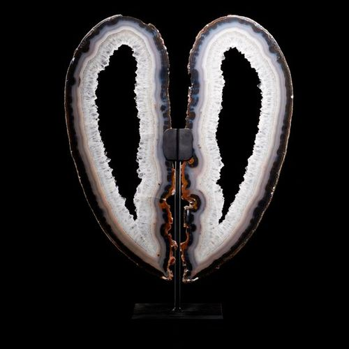 Design d'intérieur/Minéraux : Une paire de tranches d'agate'aile d'ange', 54cm d…