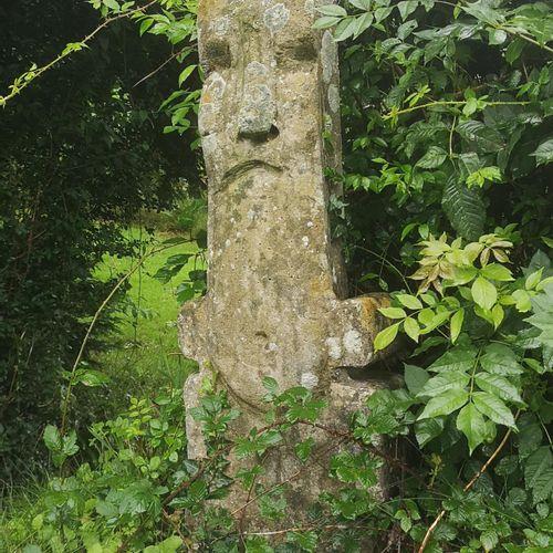Modern and Garden Sculpture: Gerald Moore Totem head Ciment fondu 115cm high Par…