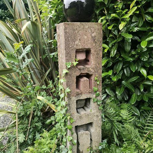Modern and Garden Sculpture: Gerald Moore Geometric abstract Ciment fondu with g…