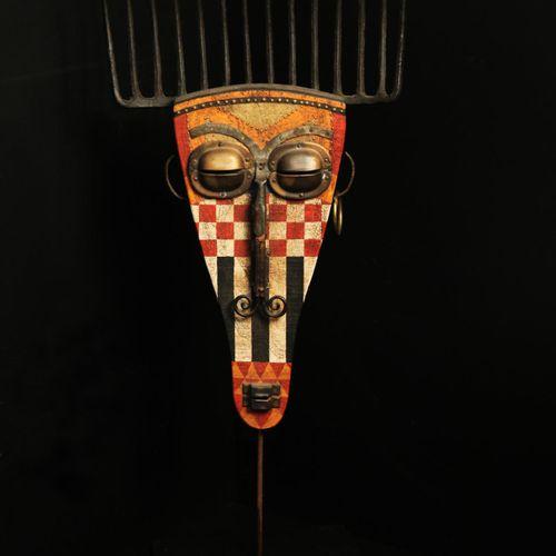 Sealed Bid Auction Modern/Tribal Sculpture: Martin Scorey Red and White Checkere…