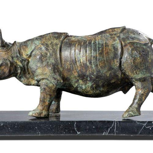 Sealed Bid Auction Modern Sculpture: A bronze rhinoceros modern on marble base 3…
