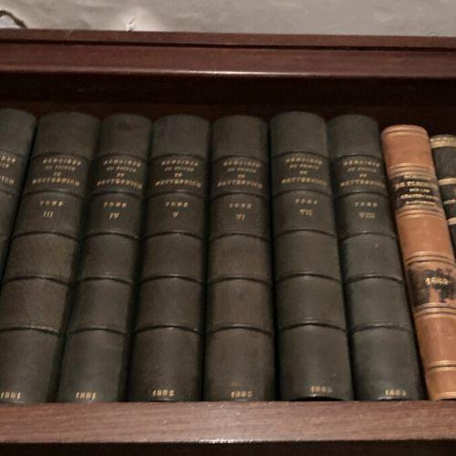 Ensemble de livres reliés et brochés vendu en lots  dont :   Histoire de Malte  …