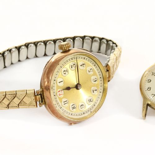 A ladies' 9ct gold Rolex mechanical bracelet watch, 26mm diameter with a gilt di…