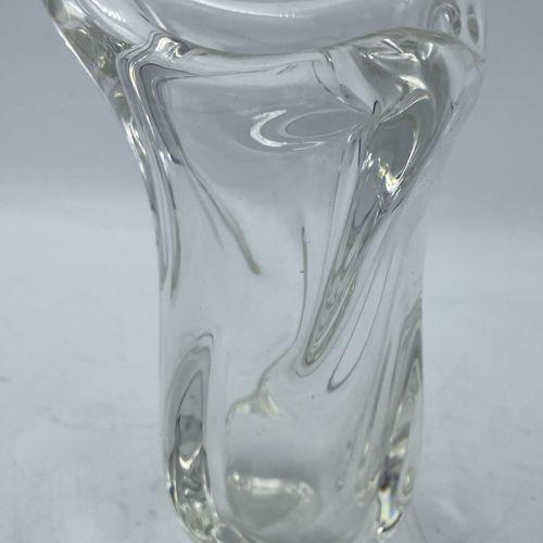 SEVRES France SEVRES France  Petit vase en cristal moulé  H: 16 cm  (cachet au r…