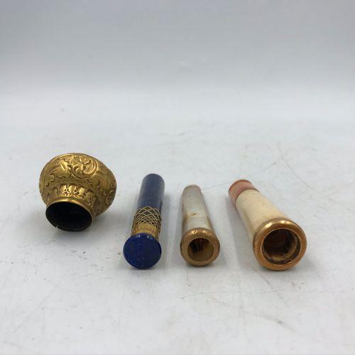 Lot comprenant : Lot comprenant :   SEAU en pierre dure et monture en or jaune 1…