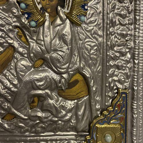 ICONE moderne figurant une Vierge à l'Enfant avec un oklad en métal émaillé ICON…