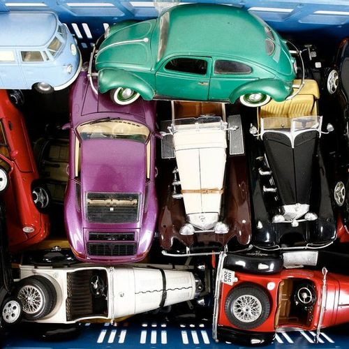 Auto's about 20 model cars, scale 1:72, Burago, Tonka, Maisto etc., many Ferrari…