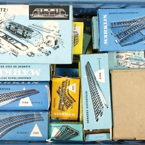 Treinen Large quantity of rails, turnouts, pillars, etc., in original boxes, Mär…