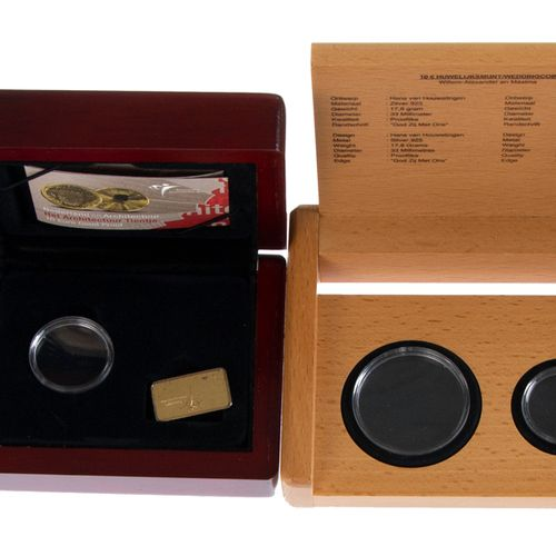 Ca 19 empty wooden coin boxes of the Dutch Mint for gold coins, there in ca 14 g…