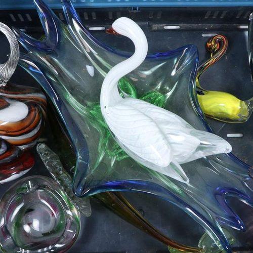 DIVERS Glass vases, jug, swan, etc., many third quarter 20th century