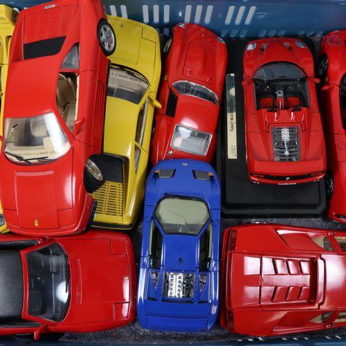 Auto's about 20 model cars, scale 1:18, Burago, Maisto, Tonka etc. Diverse quali…