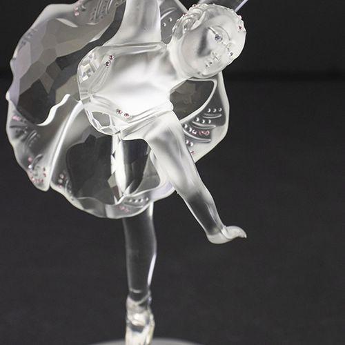 Verrerie Swarovski Swarovski : ballerine, la ballerine se tient sur une base giv…