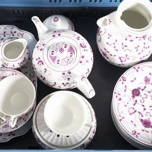 """Porcelaine, faïence, etc. Service à thé et à café de 24 pièces au design """"China …"""