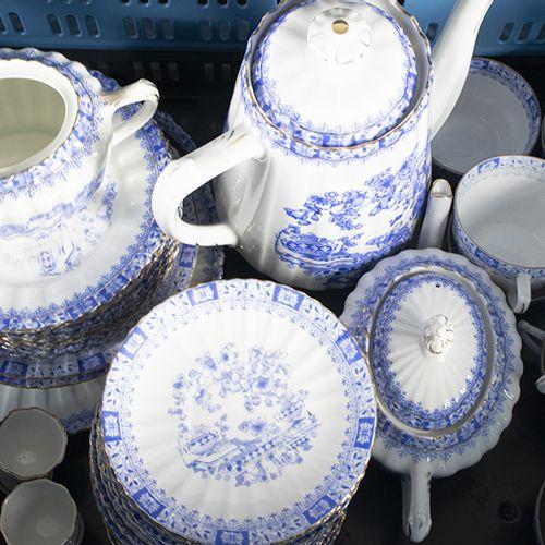 Porcelaine, faïence, etc. Service à thé et à café de 44 pièces, Tuppack, China B…
