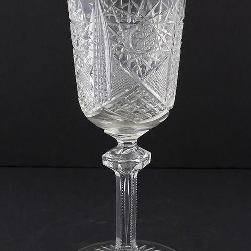 Verrerie Swarovski Un grand gobelet de prix de chasse en cristal taillé avec une…