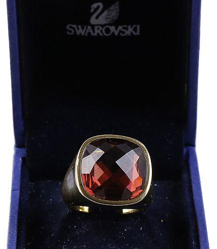 Verrerie Swarovski Swarovski : bague swarovski avec pierre rouge clair, en boîte…