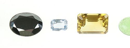Pierres précieuses et minéraux Une collection de pierres précieuses : deux spine…