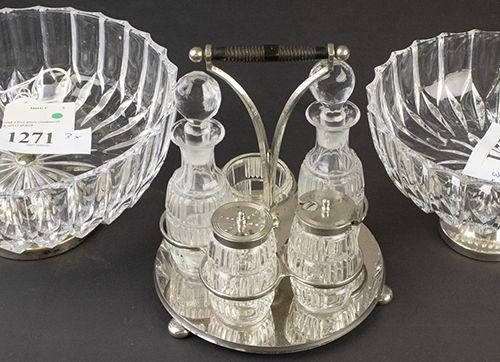 Verrerie Divers Deux bols en cristal sur pied métallique et un service à condime…