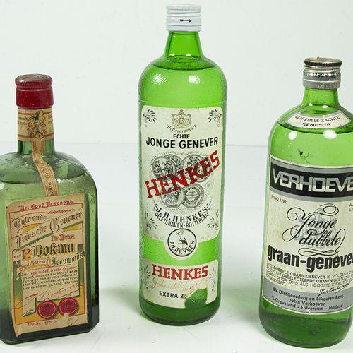 Vins, whisky, etc. Trois bouteilles de gin sec : Verhoeven, Henkes et Bokma.