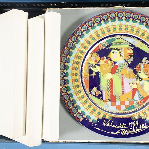 Porcelaine, faïence, etc. Quatre assiettes murales bleu et blanc, Fürstenberg, u…