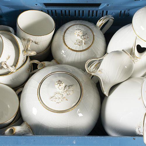 Porcelaine, faïence, etc. Un café de 16 pièces et le service, KPM, Berlin compre…
