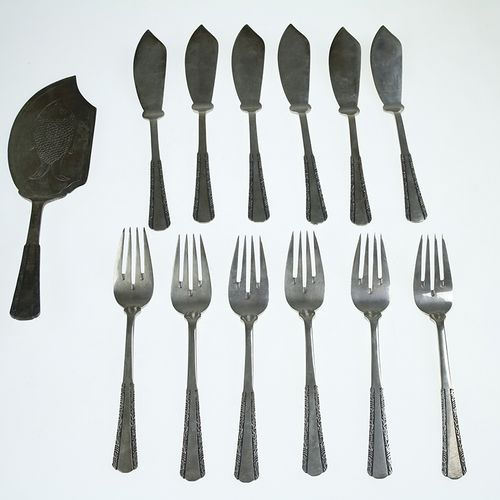 Silver plated and gilt objects Six silver plated fish knives and forks and fish …