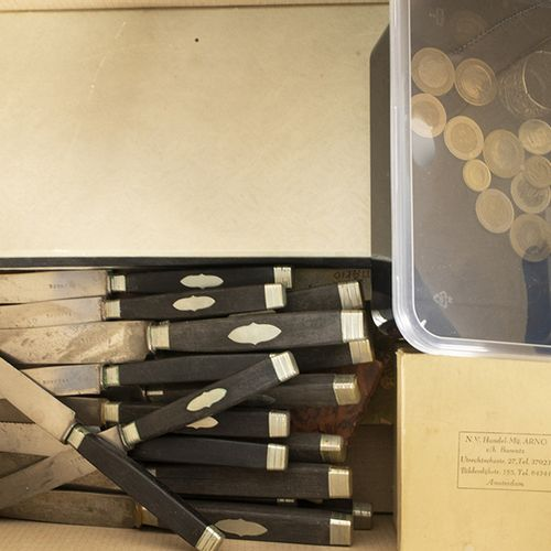 Bric a brac Silver plated cutlery, 19th century knives with silver plated mounte…