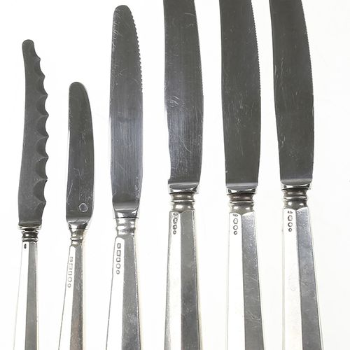 Silver objects Flatware, Netherlands Four table knives and two deseert knives wi…