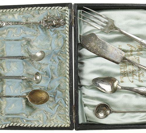 Silver objects Flatware, Netherlands 2e gehalte zilveren botermesje, paar moster…