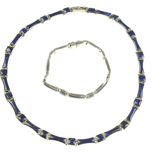 Silver jewellery Silver necklace and bracelet, set with lapis lazuli 41 grams, 9…