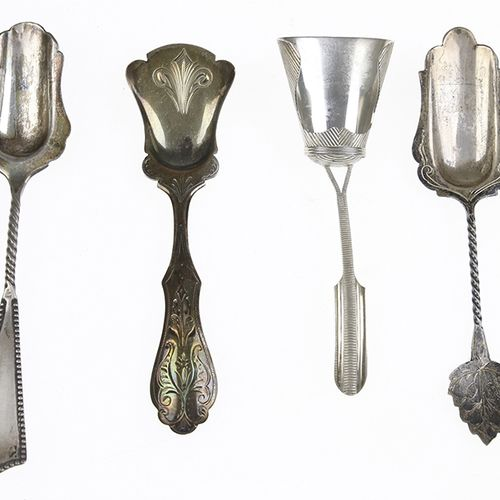 Silver objects Flatware, Netherlands Four silver sugar spoons 40 grams, 835/1000