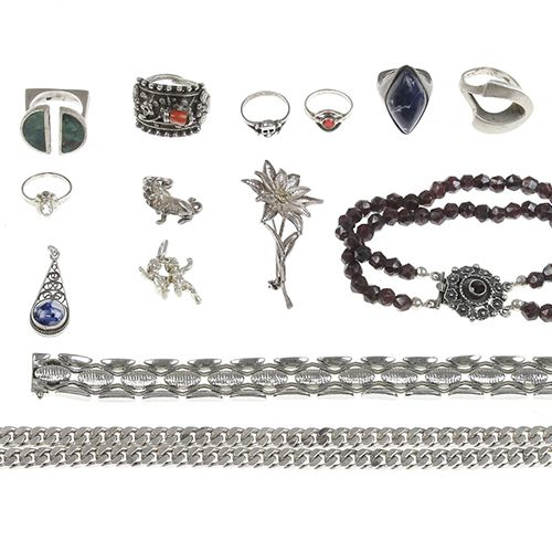 Silver jewellery Silver jewelry, bracelets, rings, chains, etc. Ca. 400 grams
