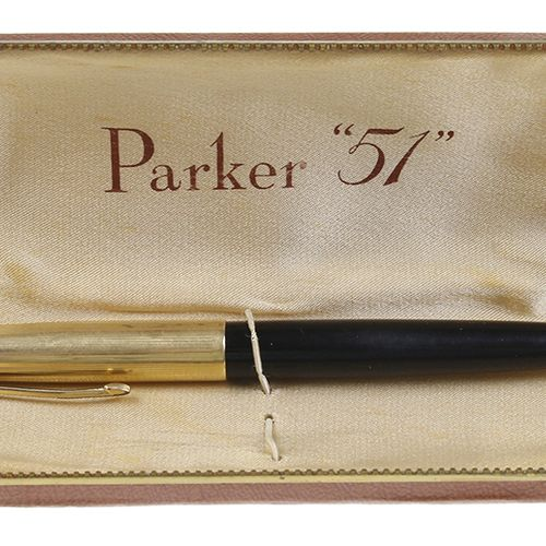 Pens Parker fountain pen type 51 with 12kt gold cap in original box, USA, 1940 4…