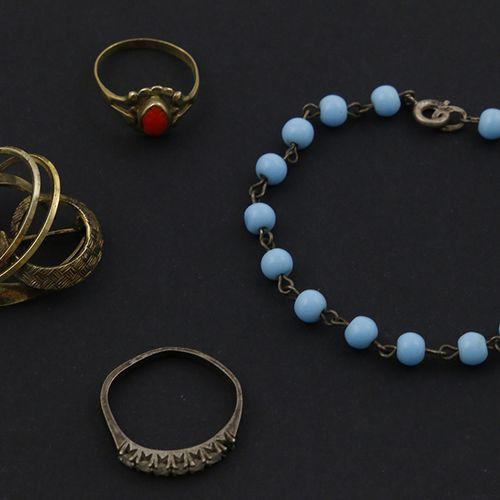 Silver jewellery Several jewellery; two rings, bracelet, brooch