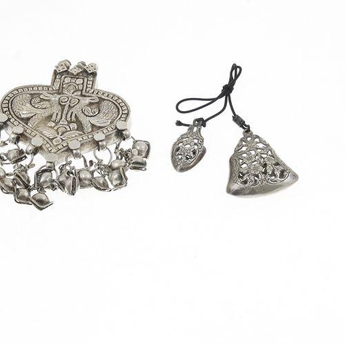 Silver objects Netherlands 2e gehalte zilveren breipenschede met gravédecor, 19e…