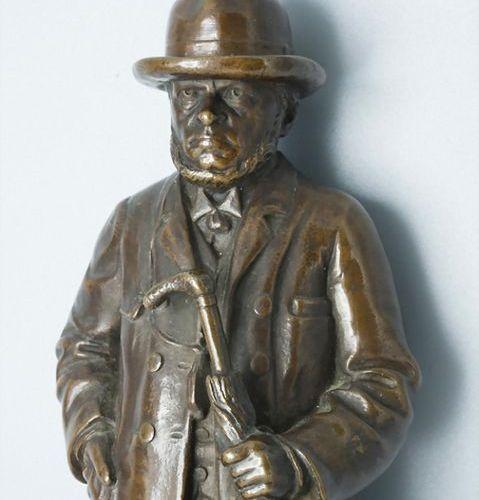 Bronze Skulptur, Carl Pracht, Oscar Gladenbeck & Co, Berlin, 1895 Materiall: pat…