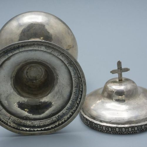 Ziborium / Ciboire en argent massif / A silver ciborium, um 1800 Material: silve…