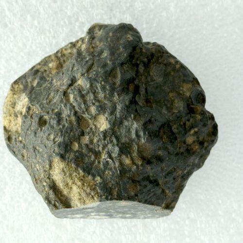 Météorite lunaire 55,70 g A 55.70 g moon meteorite, the emotion of owning an aut…