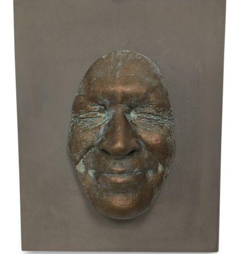 Gregos Gregos (Né en 1972)  Collage d'un visage en plâtre à l'éfigie de l'artist…