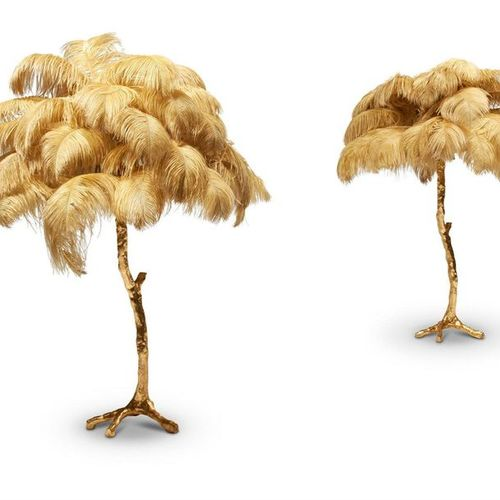 A PAIR OF GILT RESIN AND OSTRICH FEATHER TABLE LAMPS, BY A MODERN GRAND TOUR A P…