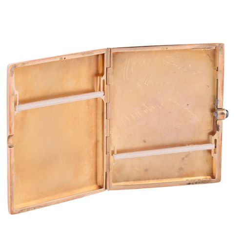 An early 20th century continental gold cigarette case An early 20th century cont…